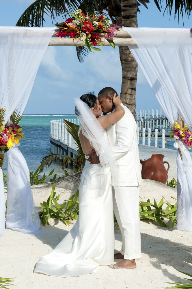 belize wedding photography wedding photographer belize san pedro wedding ambergris caye wedding