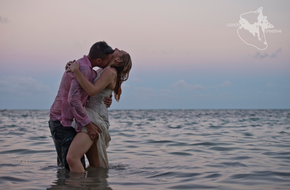 Belize Wedding Photography - destination Wedding - Trash the Dress