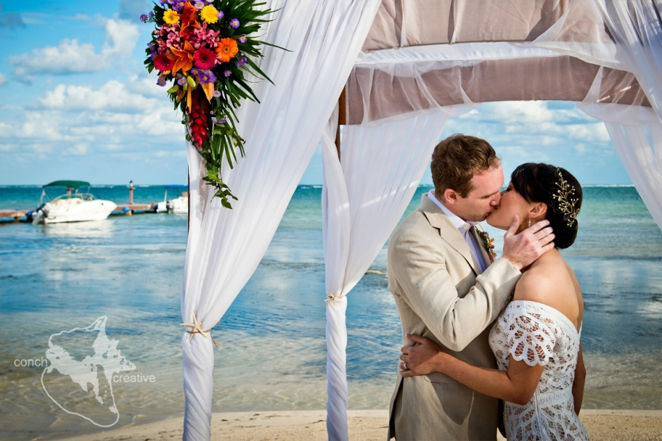 Belize-Wedding-Photographer---Conch-Creative