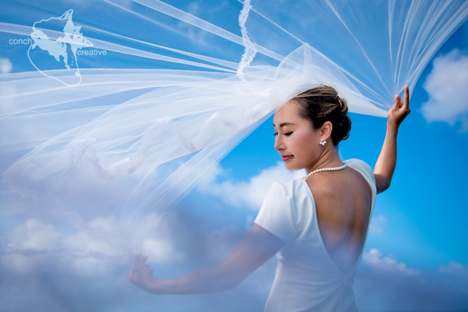 bride-trash-the-dress-wedding-photographer-belize