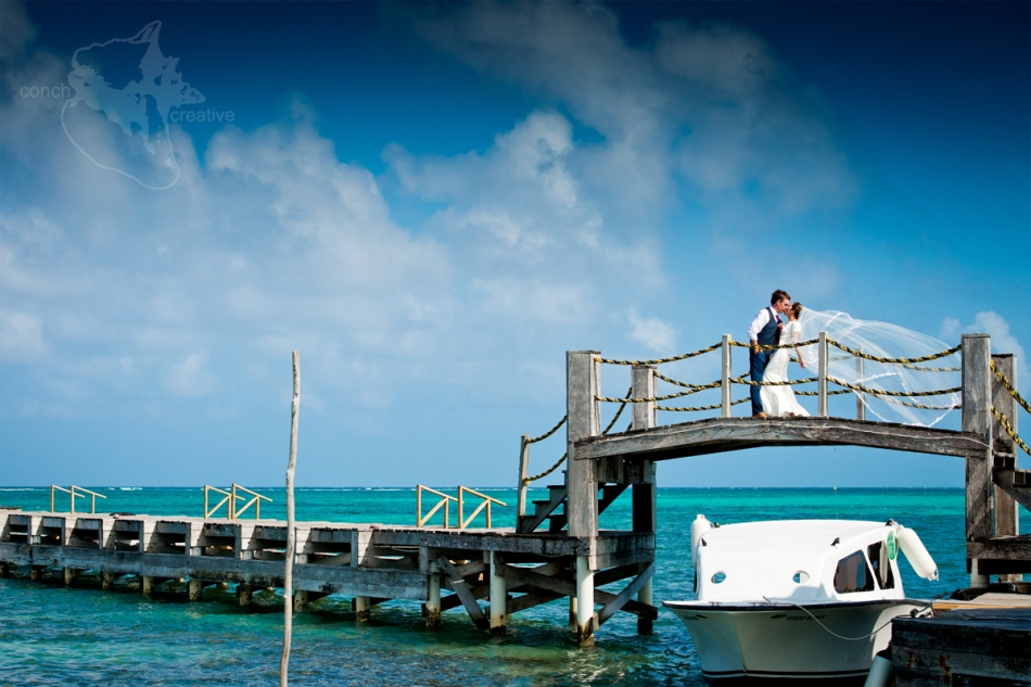 trash-the-dress-belize-wedding-photographer